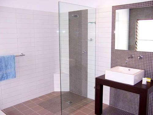 Coffs Bathroom Mirrors