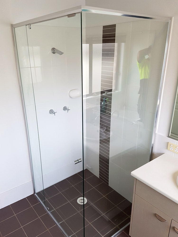 Evolution Shower Screens
